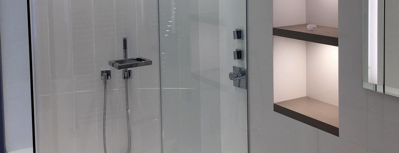 douche l 39 italienne avec mur arrondi eau design. Black Bedroom Furniture Sets. Home Design Ideas